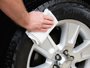 hand cleaning tire
